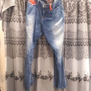 Lucky Brand Sweet & Straight jeans Patch accent